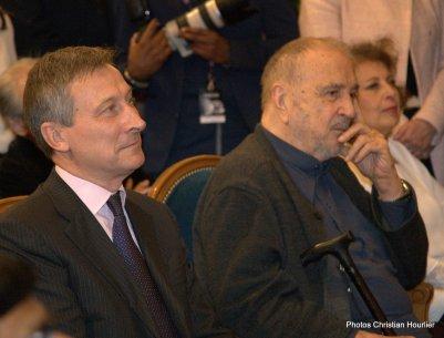 Son Excellence Monsieur Vincent Mertens de Wilmars, ambassadeur de Belgique et Jean-Claude Carriere, écrivaine et scénariste