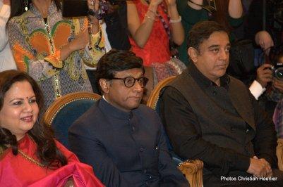 Madame Mala Kumar, épouse de l'ambassadeur d'Inde en France, Son Excellence le Docteur Mohan Kumar, Ambassadeur de l'Inde en France, Kamal Haasan, acteur, scénariste, parolier et réalisateur indien de Kollywood, lauréat du Prix Henri Langlois Cinémas du Monde d'ici et d'ailleurs 2016.
